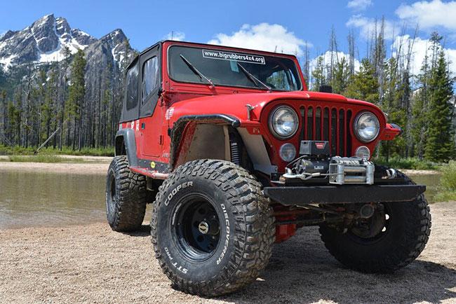 Discoverer STT Pro on a Jeep