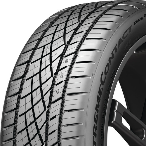 Continental ExtremeContact DWS06 PLUS tread and side