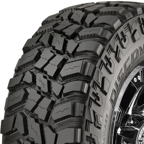 Cooper Discoverer STT Pro tread and side