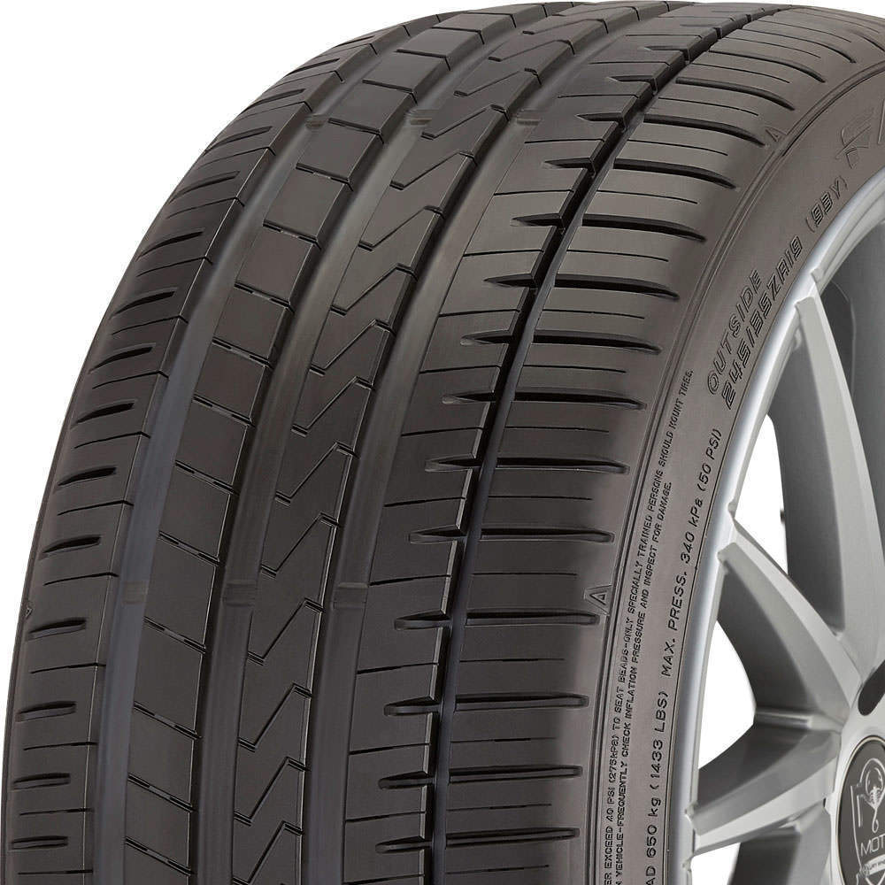 Falken Azenis FK510 tread and side
