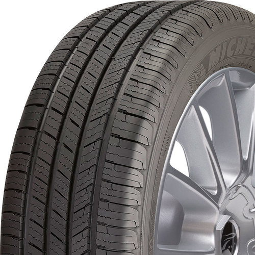 Michelin Defender T+H tread and side