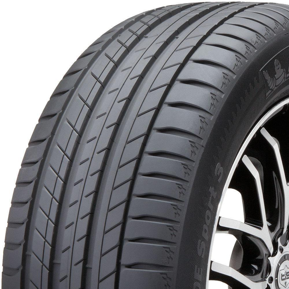 Michelin Latitude Sport 3 tread and side