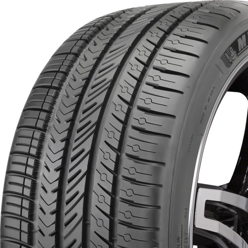 Michelin Pilot Sport A/S 4 tread and side
