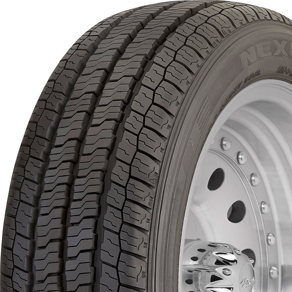 Nexen Roadian CT8 HL tread and side