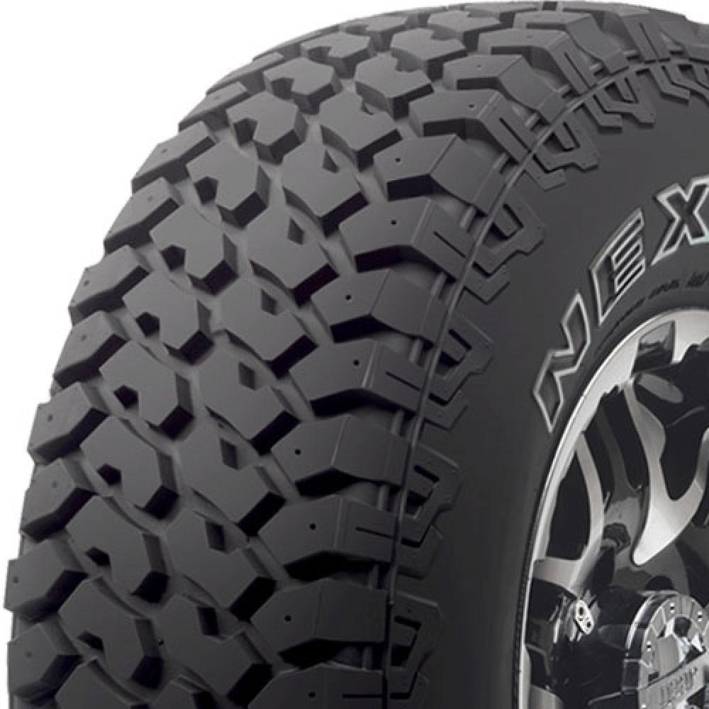 Nexen Roadian MT tread and side