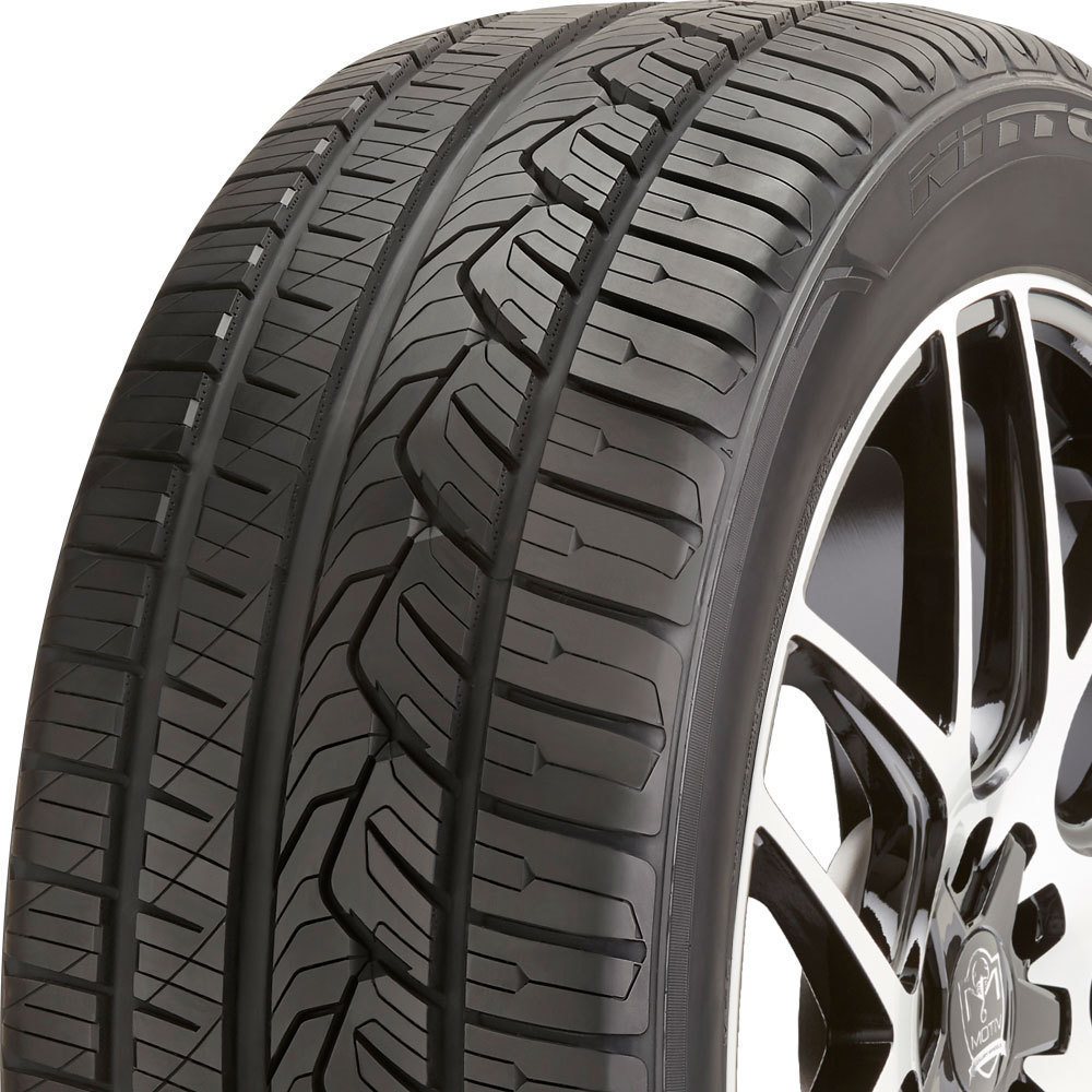 Nitto NT421Q tread and side
