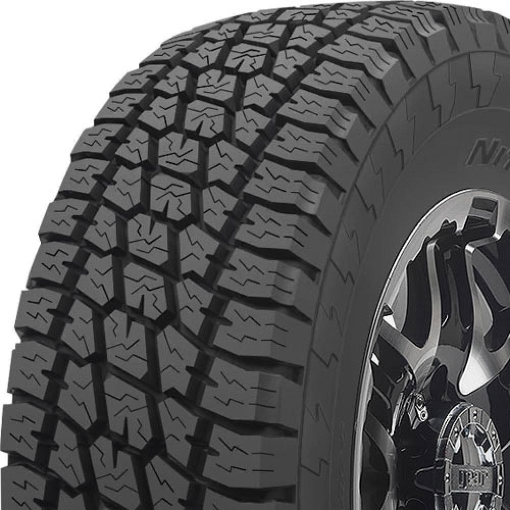 Nitto Terra Grappler tread and side