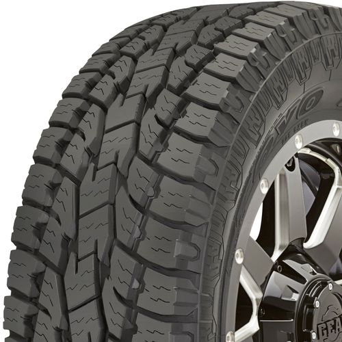 Toyo Open Country AT II tread and side