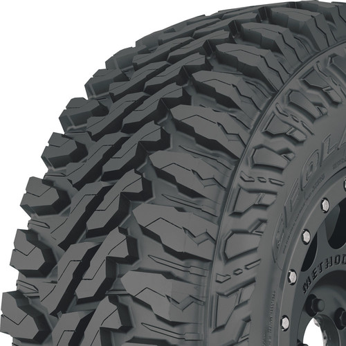 Yokohama Geolandar M/T tread and side